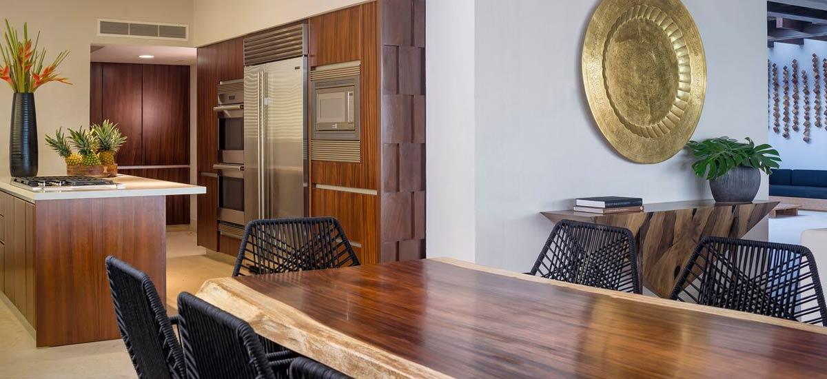 villa tres amores dining room