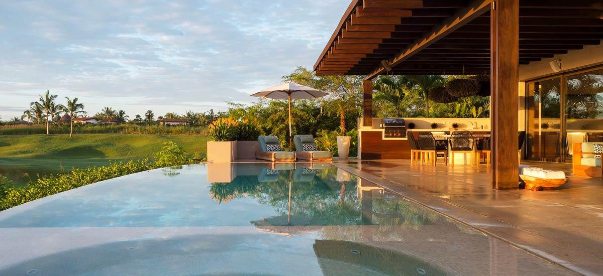 villa tres amores pool