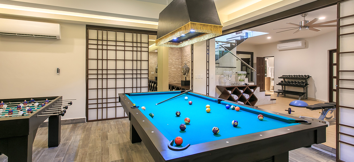 villa unica pool table
