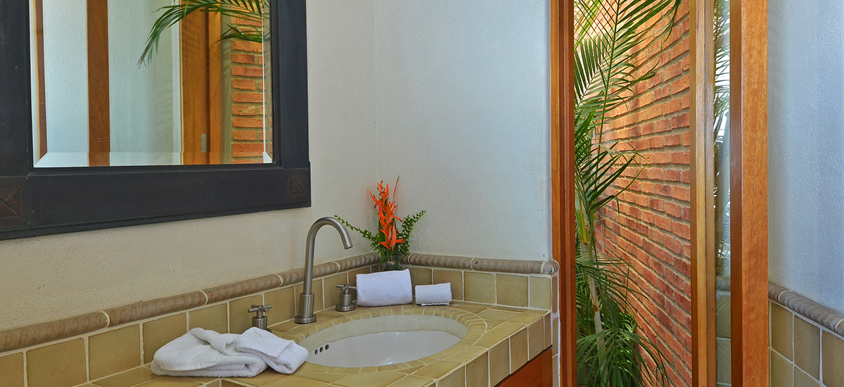 villa ventana bathroom