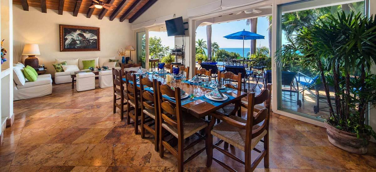 villa vista de aves dining room